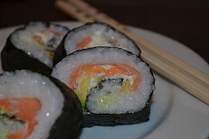 Futomaki, Sushi mit geräuchertem Lachs und Frischkäse
