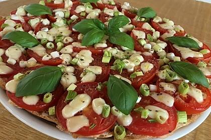 Fladenbrotpizza 'Caprese' (Bild)