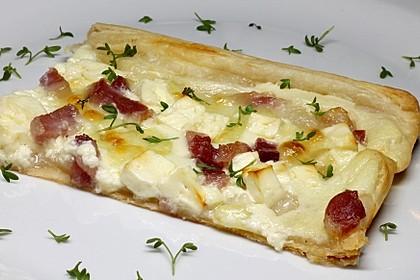 Blätterteig - Flammkuchen mit Käse