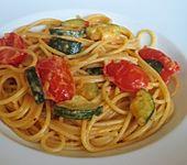 Pikante Zucchini-Tomaten-Bacon-Spaghetti (Bild)