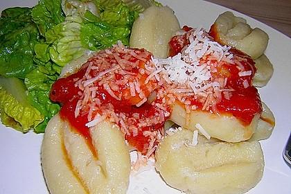 Gnocchi mit Tomatensauce 3