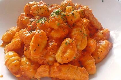 Gnocchi mit Tomatensauce 1