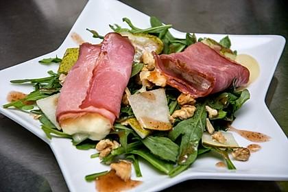Käse - Saltimbocca auf Rucola und Birnen mit Walnussdressing 1
