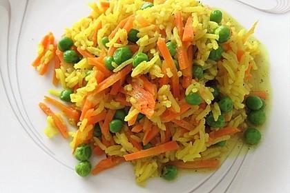 Curry - Reispfanne mit Erbsen und Möhren