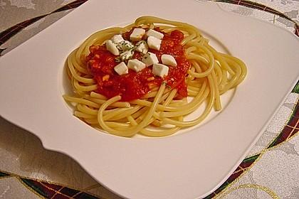 Spaghetti mit Tomatensoße 5