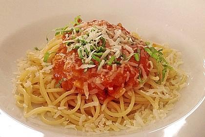 Spaghetti mit Tomatensoße 2