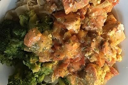 Nudeln in Brokkoli - Lachs - Rahmsauce 6