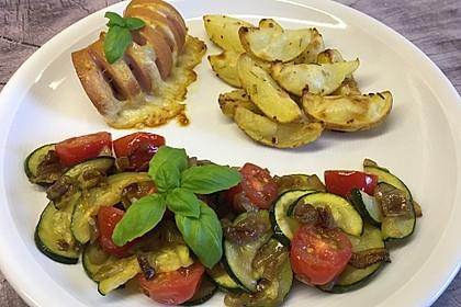 Zucchini - Tomaten - Zwiebel - Gemüse (Bild)