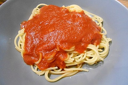 Spaghetti mit Tomatensoße 7