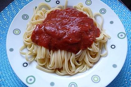 Spaghetti mit Tomatensoße 3