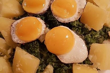 Spinat, Spiegelei und Salzkartoffeln 31