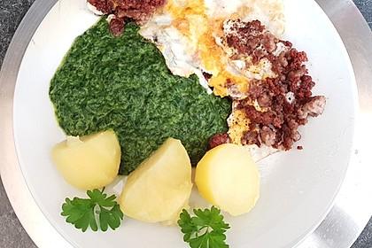 Spinat, Spiegelei und Salzkartoffeln 28