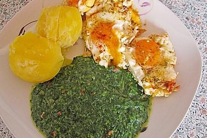Spinat, Spiegelei und Salzkartoffeln 34