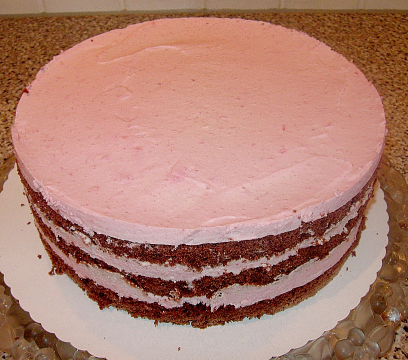 Himbeer Sahne Torte Mit Schokobiskuit Von Maleila Chefkoch De