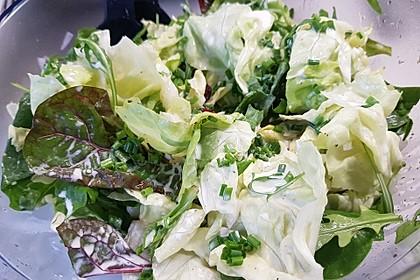 Sahnedressing für Kopfsalat (Bild)