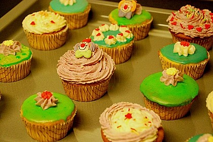 Vanilla Cupcakes 17