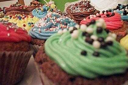 Vanilla Cupcakes 16
