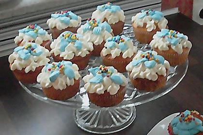 Vanilla Cupcakes 11