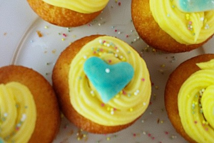 Vanilla Cupcakes 27