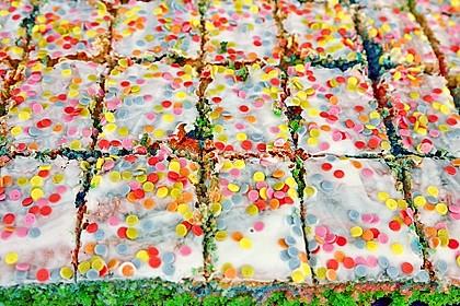Papageienkuchen mit saurer Sahne 1