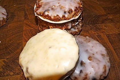 Lebkuchen aus Milchbrötchen 16