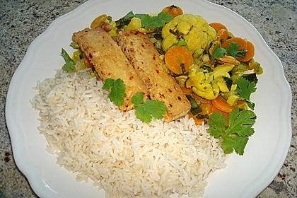 Currygemüse mit Erdnüssen in Kokosmilch (Bild)