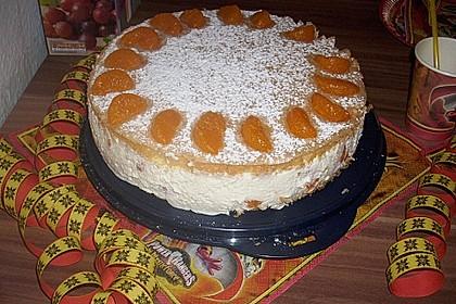 Käsesahne-Torte mit Mandarinen 10