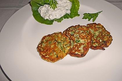 Zucchini - Küchlein mit Joghurtdip 3