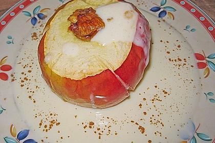 Illes leckerer Bratapfel mit Vanillesoße ohne Zucker 1