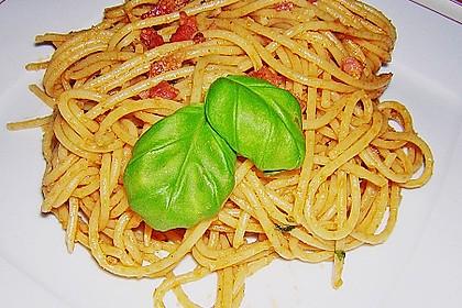 10 Min. - Sauce (Tomaten/Basilicum) all´ italiamann 2