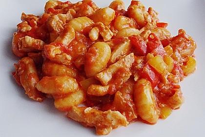 Schupfnudeln mit Paprika - Hähnchensoße 12