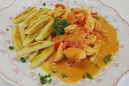 Schupfnudeln mit Paprika - Hähnchensoße 5