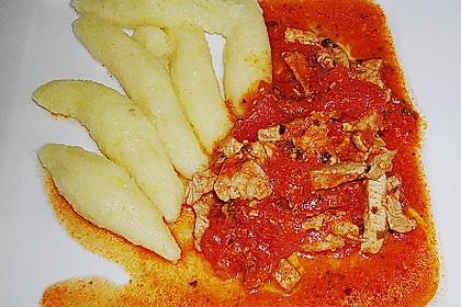 Schupfnudeln mit Paprika - Hähnchensoße 33