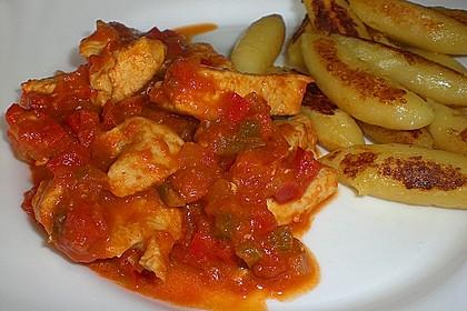 Schupfnudeln mit Paprika - Hähnchensoße 23