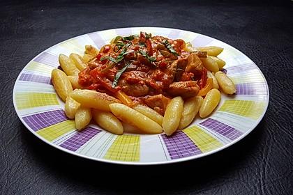 Schupfnudeln mit Paprika - Hähnchensoße 2