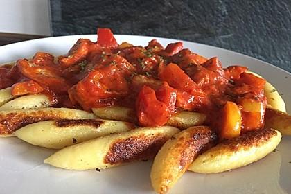 Schupfnudeln mit Paprika - Hähnchensoße 1