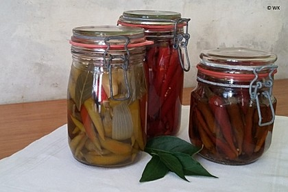 Süßsauer eingelegte Pfefferoni oder Peperoni 1