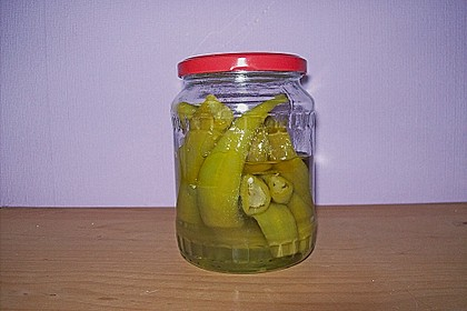 Süßsauer eingelegte Pfefferoni oder Peperoni 2