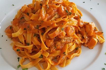 Lachs mit Sahne - Tomatensoße (Bild)