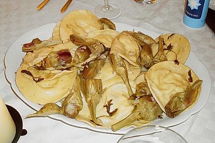 Ravioli di ricotta e pesce con Salsa di carciofi