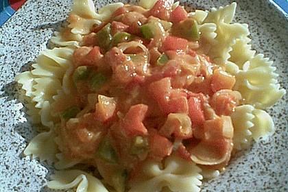 Spiralnudeln mit Paprika - Tomaten - Sauce 2