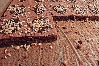 Saftige Nussschnitten mit Schokolade 3