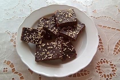 Saftige Nussschnitten mit Schokolade 2