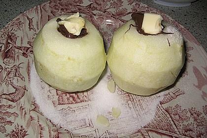 Bratäpfel mit Schokosoße und Mandeln 5