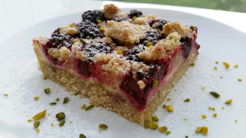 Beeren Schmand Kuchen Mit Streuseln Von Schokomaus96 Chefkoch De
