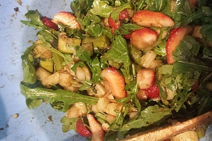 Spargel-Erdbeersalat 62