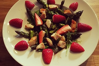 Spargel-Erdbeersalat 52