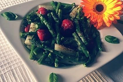 Spargel-Erdbeersalat 60