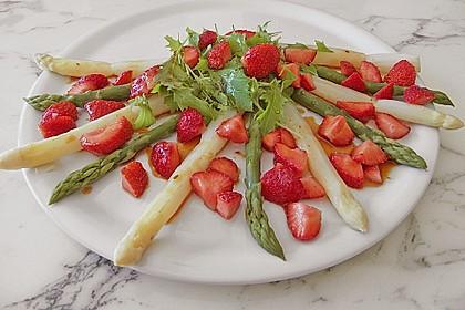 Spargel-Erdbeersalat 25