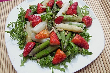 Spargel-Erdbeersalat 10